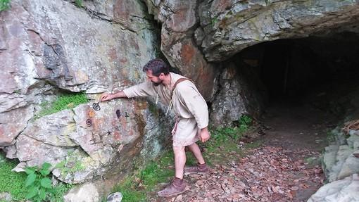 """""""Storie di uomini e orsi"""": alla scoperta delle Grotte del Bandito a Roaschia"""
