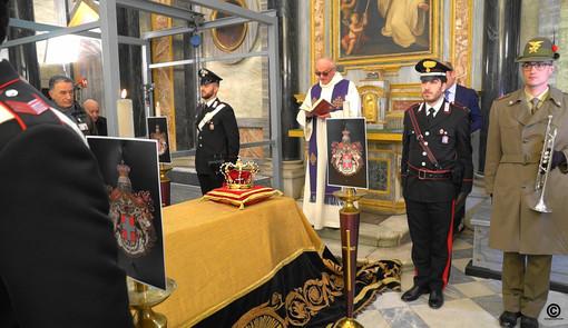 Gli onori resi alla salma di Vittorio Emanuele III, in uno scatto gentilmente concesso dal professor Mola