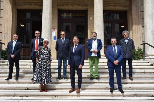 Il presidente Gola e la nuova Giunta della Camera di Commercio (foto di Panzera Communications)