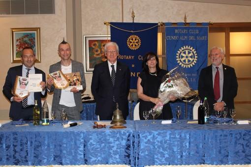 """Arturo Brachetti si racconta con il Rotary Club di Cuneo: """"Ai giovani dico: osate!"""" (FOTO E VIDEO)"""