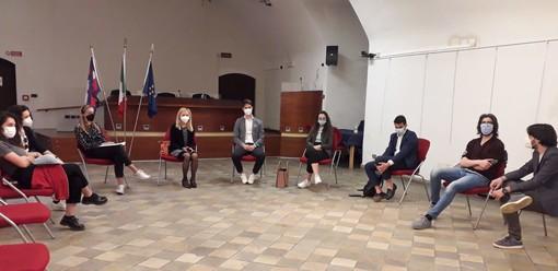 """Tavolo di confronto fra le consulte giovanili delle """"sette sorelle"""" a Fossano"""