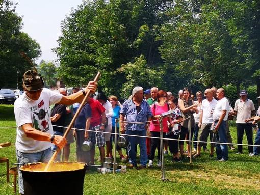 Polentata a Chiusa Pesio: oltre trecento persone all'iniziativa alpina