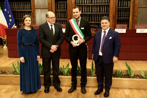 La consegna del premio, avvenuta nella prestigiosa sede della Sala Koch di Palazzo Madama