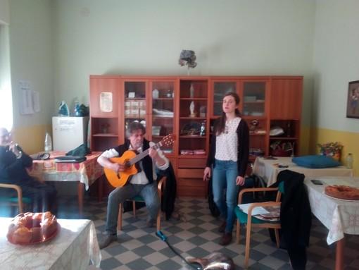 """Roburent: pomeriggio musicale alla casa di riposo """"Margherita Salvartico"""""""