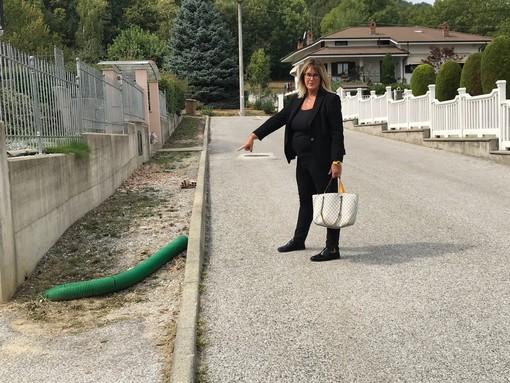 """La rabbia di Antonella: """"Da 11 anni vivo in un quartiere di Vignolo mai terminato"""" [VIDEO e FOTO]"""