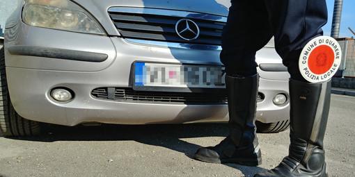 Targhe estere, tre auto bloccate dagli agenti della Municipale di Guarene e Castagnito