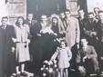 Catterino Mondino e Francesco Rabbia, nel giorno del loro matrimonio davanti alla chiesa di San Giovanni nel 1949
