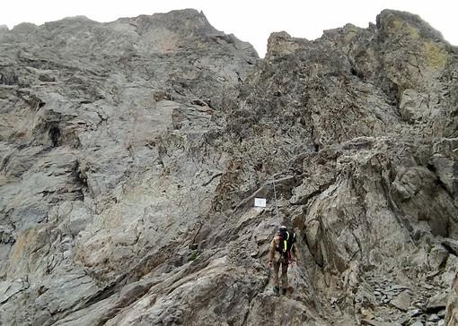 Perse la vita cadendo dalla cima della Maledia: una targa ricorda il tenente del 4° reggimento alpini Giorgio Bellante