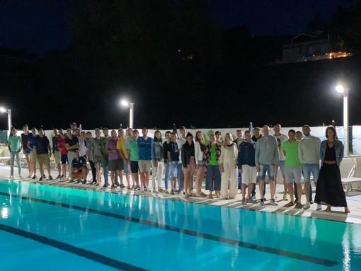 Lo staff tecnico ed i vertici societari della Lpm insieme allo Sporting Club Mondovì (foto Lpm)