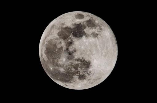 La luna (foto di Enrico Ruggeri)