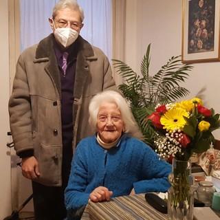Buon compleanno alla signora Lucia, signora cuneese che ha compiuto 100 splendidi anni