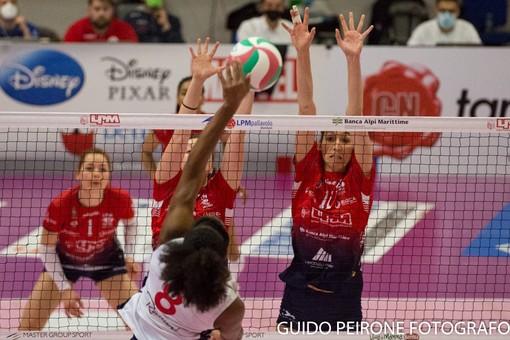 Un momento del match tra Mondovì e Soverato (foto Guido Peirone)