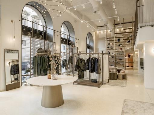 Il flagship store di Caractère in piazza della Scala a Milano