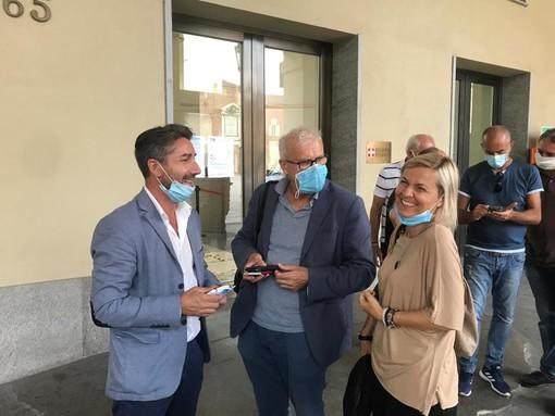 Nello scatto di archivio, da sinistra, i sindacalisti Vito Montanaro (Uil), Angelo Vero (Cisl) e Maria Grazia Lusetti (Cgil)