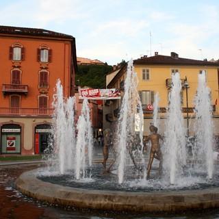 Mondovì scopre i 'Doi Paset' per le vie del centro storico