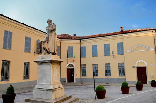 Scuole chiuse, ma non per tutti: studentessa di Mondovì ripete oggi per la terza volta l'esame di maturità