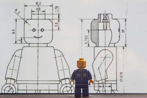 """""""Il nostro antidoto contro la noia da lockdown? Immortalare i Lego"""": mostra fotografica a Murazzano"""