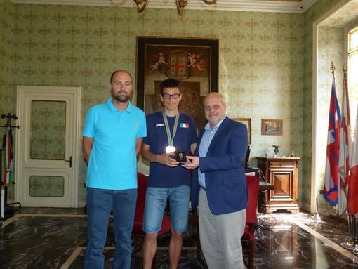 Il Sindaco di Alba Maurizio Marello ha incontrato il campione italiano di atletica Pietro Riva