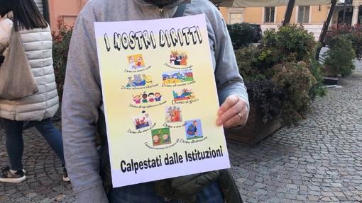 Una delle manifestazioni contro la DAD a Mondovì (Foto archivio)