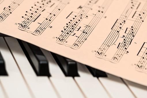 """""""Pillole in musica"""": il benessere del paziente fragile in un libro della lamorrese Cinzia Manfredi"""