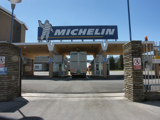 Cuneo, operaio si ferì ad una mano: a processo il presidente della Michelin con il capo reparto e il capo servizio