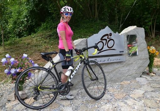 Inaugurato sulla Colletta tra Busca e Rossana, il nuovo monumento a Marco Pantani