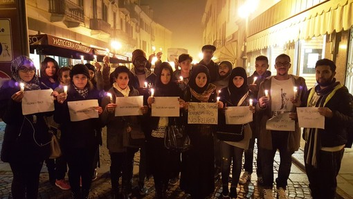Bra, mini marcia della pace, contro il terrorismo, organizzata grazie a facebook