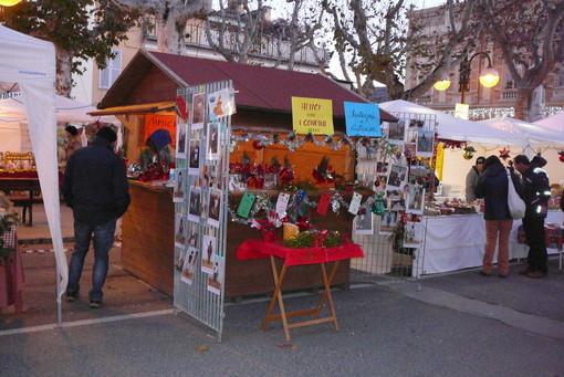 Dronero, si entra nell'atmosfera del Natale con i mercatini di domenica  8 dicembre