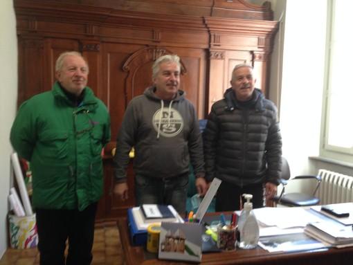 Il sindaco con i pittori Longo e Masante