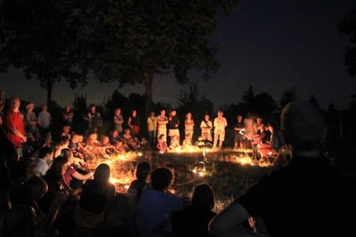 """Con l'arrivo della bella stagione ripartono i """"Notturni nelle Rocche"""": 18 passeggiate estive sulle colline della Sinistra Tanaro"""
