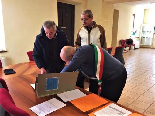 La cerimonia di conferimento della cittadinanza italiana