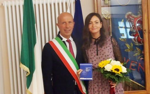 Venasca ha conferito la cittadinanza italiana ad una giovane rumena