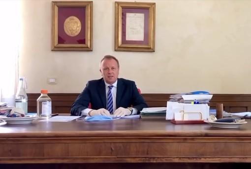 """Mondovì, gli auguri di Pasqua del sindaco: """"Vicini a chi è più in difficoltà"""" (VIDEO)"""