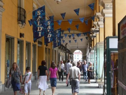 Oggi 11 luglio scattano i giovedì di shopping serale a Cuneo