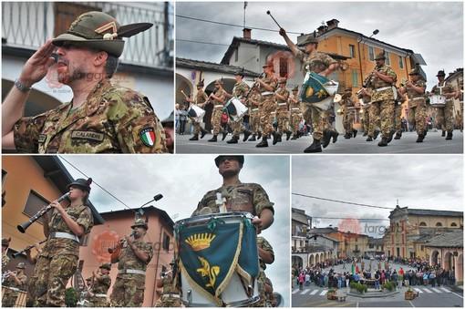 Le immagini della Fanfara della Brigata alpina Taurinense questa mattina a Paesana