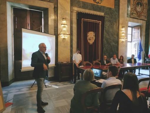Cuneo, i giovani geometri programmano il futuro della rotonda di San Benigno: presentati in comune nove progetti di abbellimento