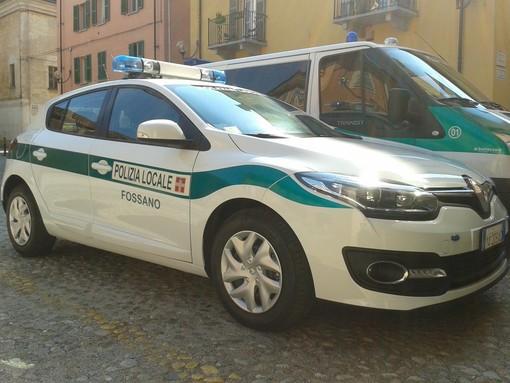 Trova un portafogli con 500 euro in contanti e lo restituisce alla polizia locale: succede a Fossano