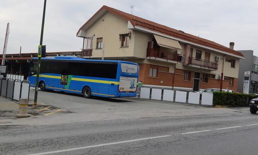 Saluzzo, l'ingresso della stazione dei pullman della Bus Company