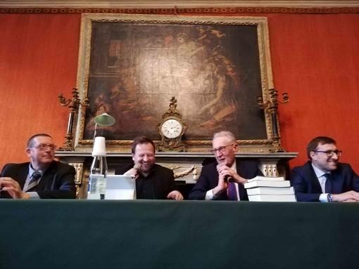 """Ghisolfi fa il pienone: sala Rossa gremita per la presentazione di """"Le fondazioni bancarie"""""""