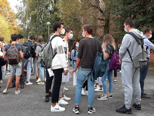 Come stanno gli adolescenti? Nel Cuneese un incontro online con gli esperti