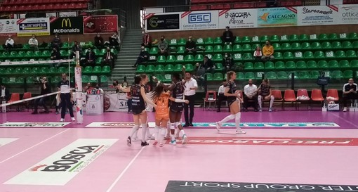 Volley femminile A1: la Bosca S.Bernardo Cuneo cade al tie-break, Perugia espugna il Pala UBI Banca