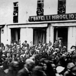 Il primo negozio Miroglio in piazza Duomo (foto archivio Miroglio)
