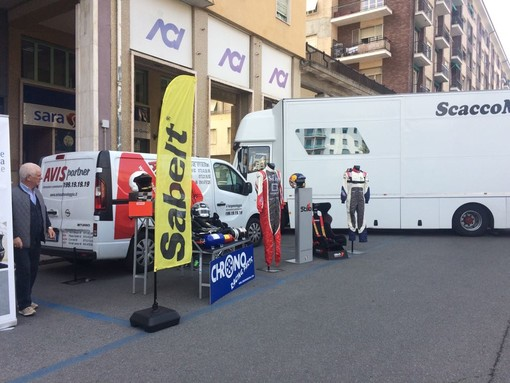 Lo stand in piazza Europa