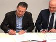 Da sinistra il presidente della Camera di Commercio di Cuneo, Mauro Gola, e Carmine Maffettone, condirettore delle sedi Pegaso e Mercatorum di Alba, Bra, Barolo, Imperia e Cuneo