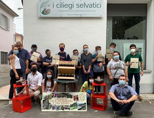 """Due giovani del Rotaract Club di Saluzzo collaborano con """"I Ciliegi Selvatici"""" di Verzuolo"""