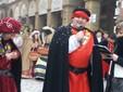 Saluzzo, l'omaggio alla castellana di Rolando