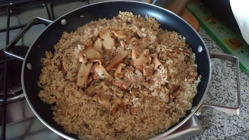 La ricetta: ciao ciao estate, benvenuto autunno col risotto ai funghi del consigliere comunale braidese Maria Milazzo