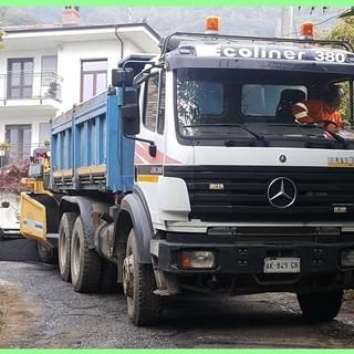 Prosegue la risistemazione di piazze e strade comunali a Rifreddo: terminati i lavori in via Principe Tommaso