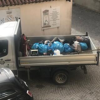 """Non si frena l'inciviltà di chi getta rifiuti indiscriminatamente a Trinità, la sindaca Zucco: """"Non cittadini, ma sporcaccioni"""""""