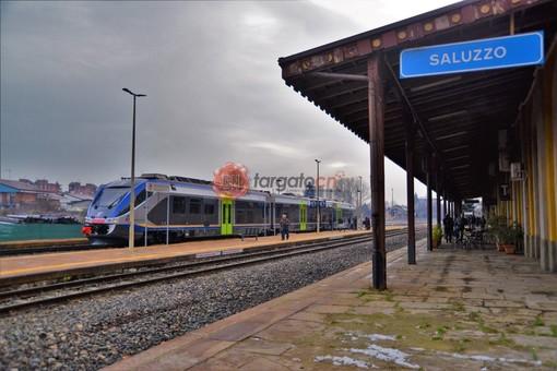 Il treno in stazione, a Saluzzo